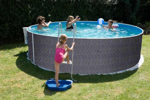Nadzemný rodinný bazén