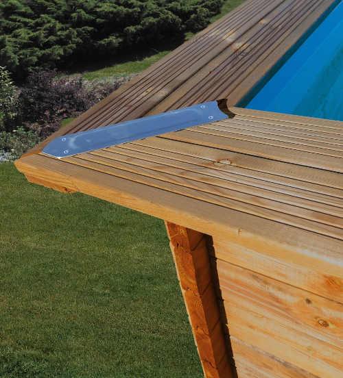 Nadzemný záhradný bazén s pevnou drevenou konštrukciou