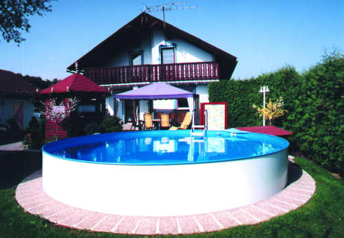 Veľký bazén na úplné alebo čiastočné zapustenie