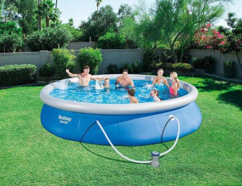 Modrý nadzemný bazén s filtráciou